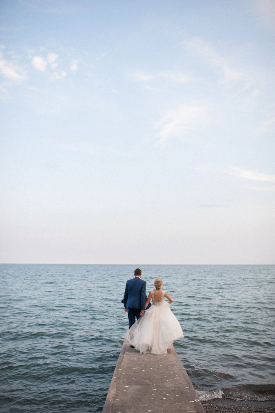 Alishia & Kurt's Chatham Kent Beach Wedding – Denise Blommestyn
